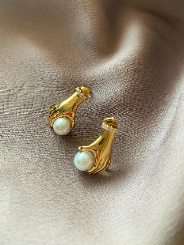 Hand of pearl earring , 핸드오브펄 이어링